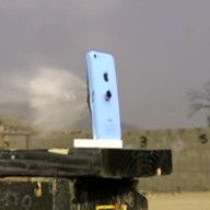 Video: iPhone 5c kapot geschoten in slow motion met een 50 caliber kogel