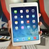 Video: iPad mini 2 met Retina-scherm wordt uitgepakt
