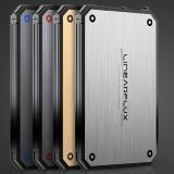 LithiumCard: Erg handige oplader voor al je apparaten is bijna net zo dik als je pinpas