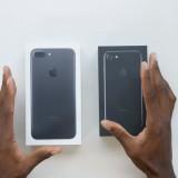 Video: Unboxing video van de iPhone 7 gitzwart en zwart