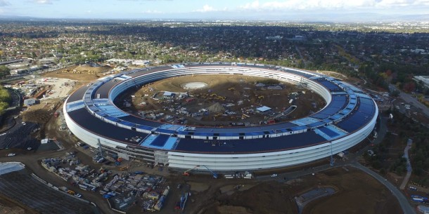 img 583b6a71a2aa7 Video: Nog meer drone beelden van Apples Spaceship campus